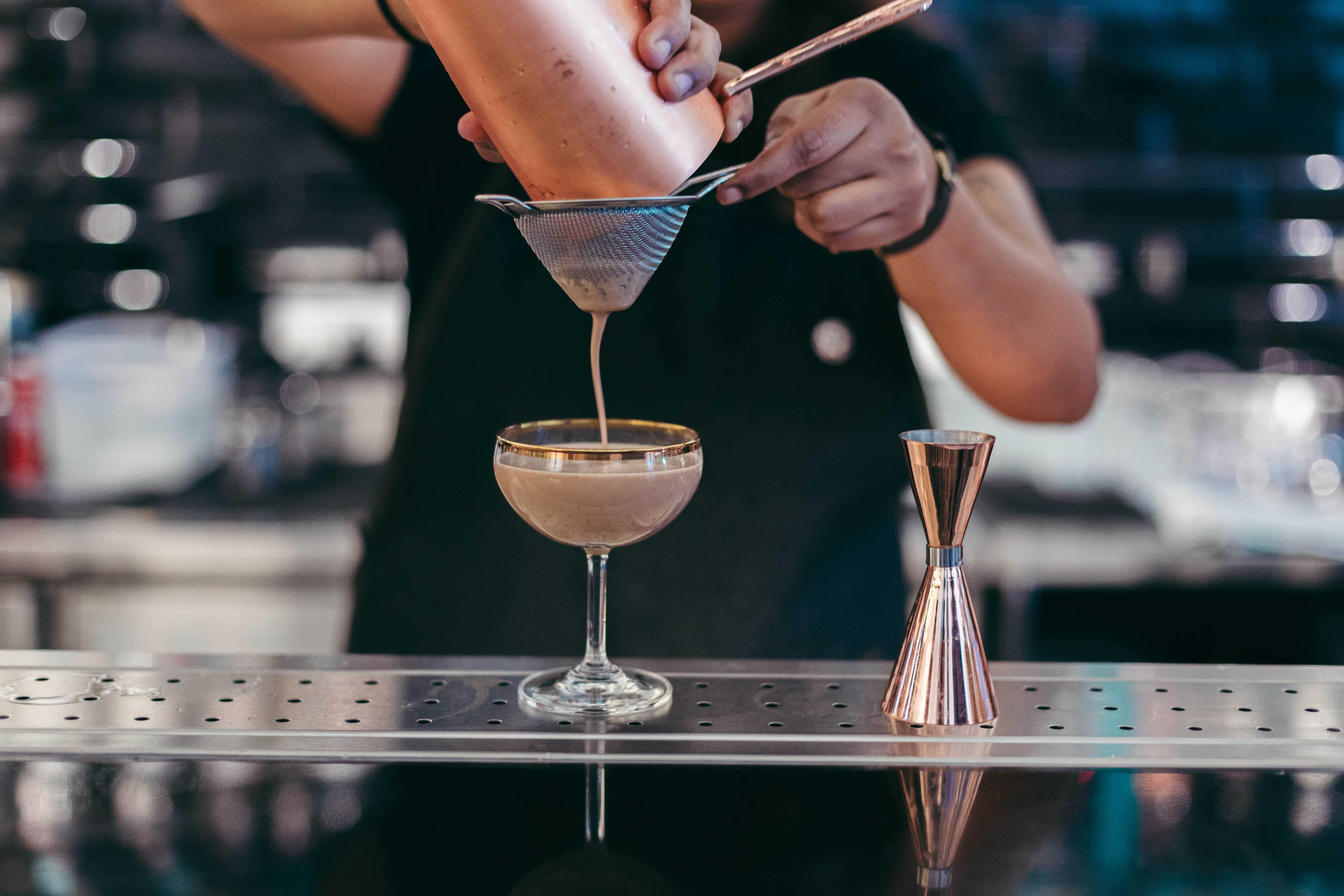 A new frontier of Mixology: tea and alcohol